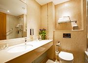 Executive Twin Room Bathroom Flower Lanhydrock Hotel