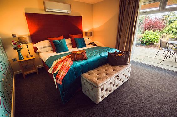 Bedroom Image Superior Suite Bedroom Lanhydrock Hotel